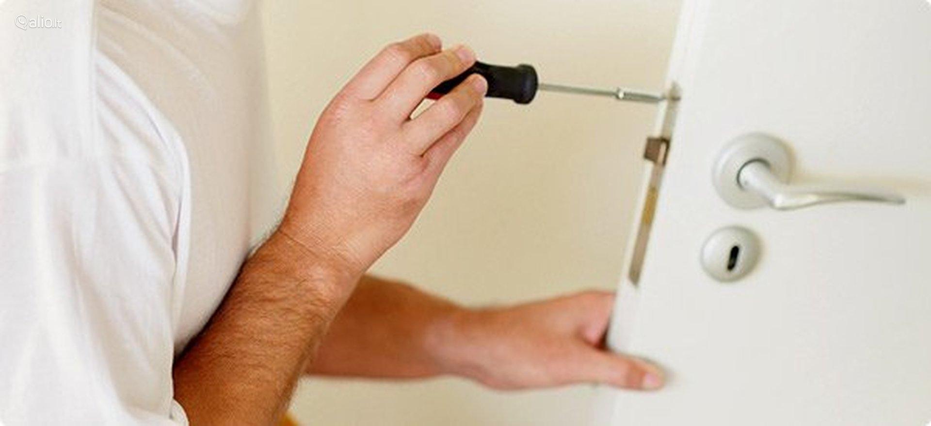 Door Repair in East Gwillimbury